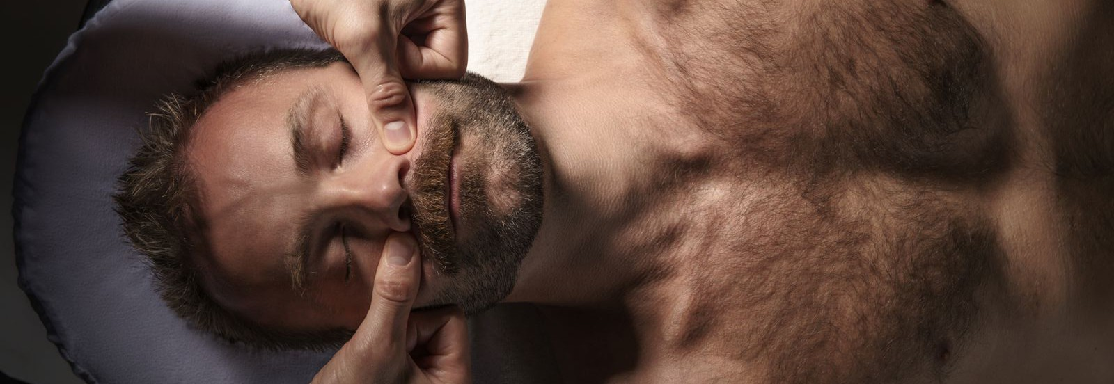 Ansigtsmassage kan mindske rynkerne og lette spændinger